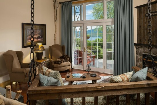 Lodge at Moosehead Lake: The Baxter Suite