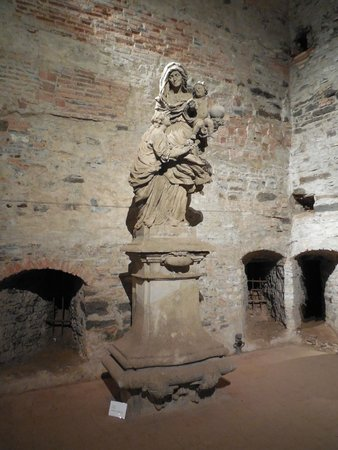 Monumento Cultural Nacional Vysehrad: Ste. Ann with Mary and Baby Jesus