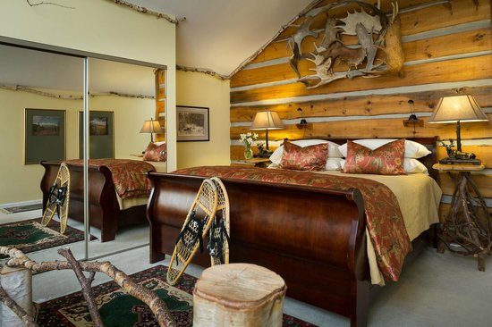 Lodge at Moosehead Lake: The Katahdin Suite