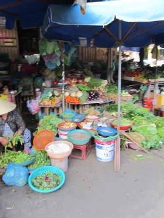 Central Market : Plenty of fresh vegetables