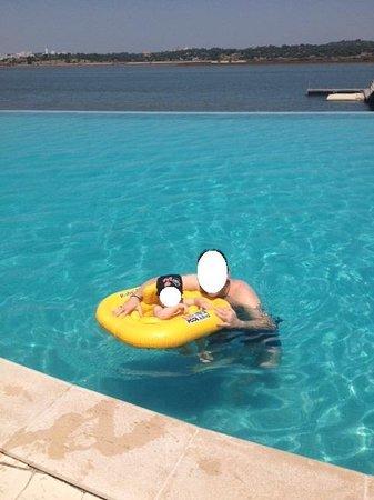 Agua Hotels Riverside: Na piscina