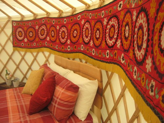 Florence Springs Yurt Village: Mongolian internal decoration
