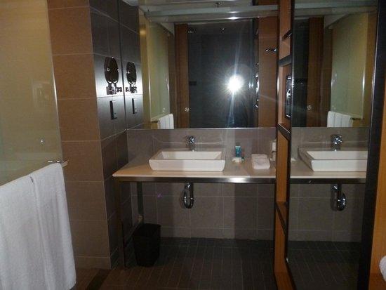 Aloft Kuala Lumpur Sentral : la salle de bain