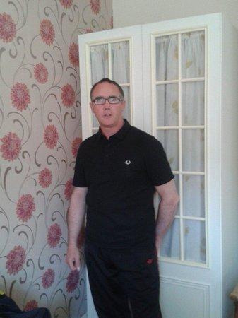 Hazeldene Guest House: In our lovely room