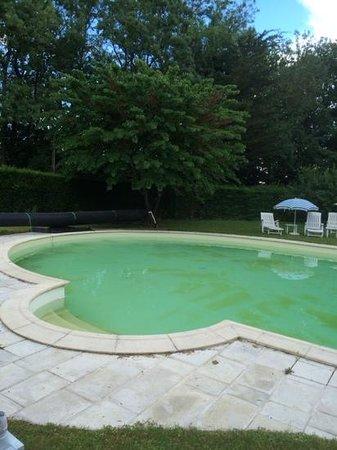Château des Réaux : la piscine chauffée