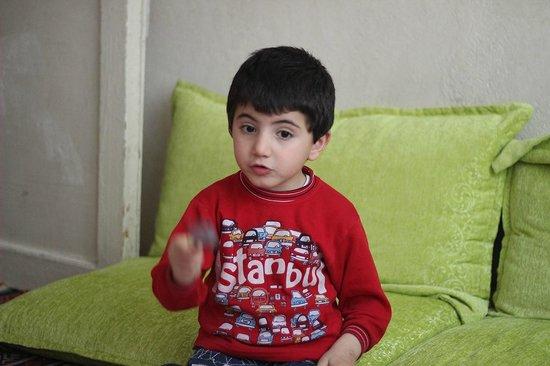 Istanbul Urban Adventures : Cute kiddo