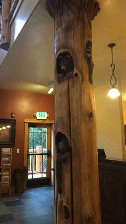 Cowboy Village Resort: pole in office