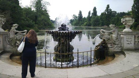 Hyde Park: Italian Garden