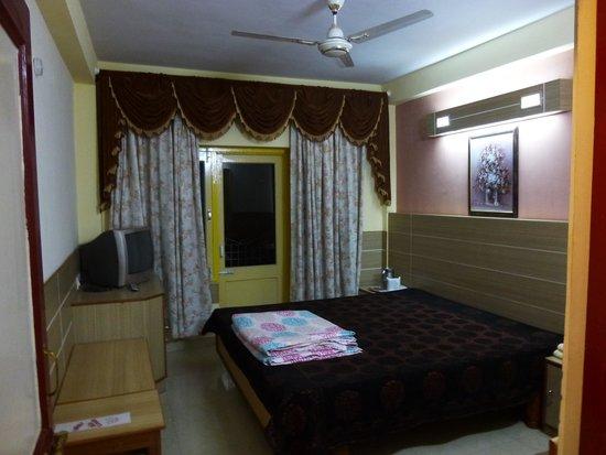Sunrise Villa: Second Room of the Suite