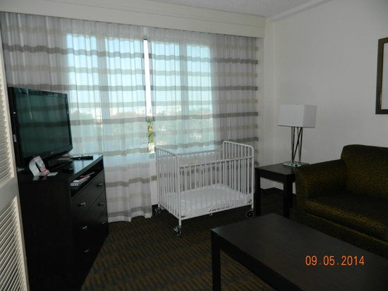Holiday Inn Port of Miami Downtown: suite