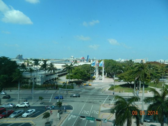 Holiday Inn Port of Miami Downtown: Vista suite