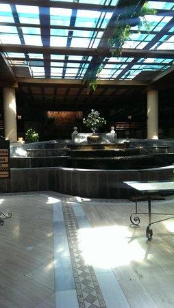 Costa Adeje Gran Hotel: hotel enterance