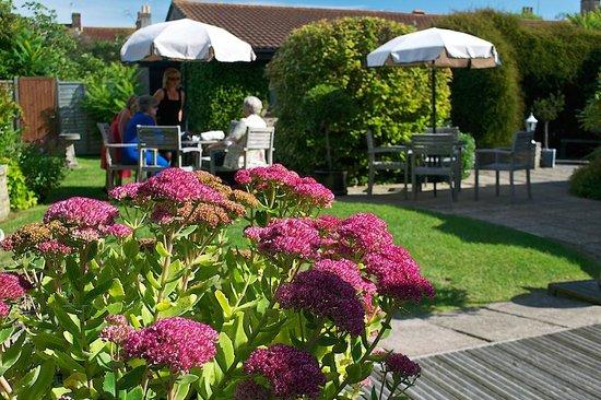 Windsor Hotel: Occasion Photos - Garden Flowers