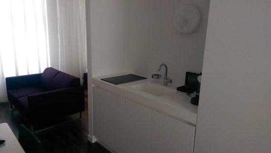 Hotel Zenden: Kitchen