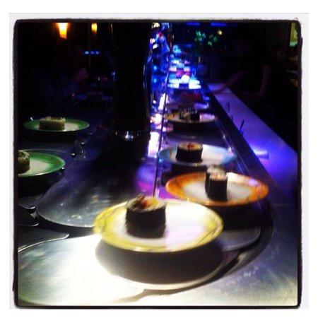 GoCHI Restaurant: Tapis roulant