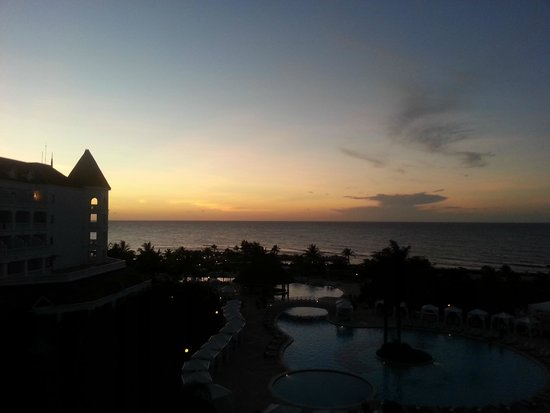 Luxury Bahia Principe Runaway Bay Don Pablo Collection: sunset from room