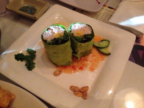 Sansei Seafood Restaurant & Sushi Bar: Crab handroll