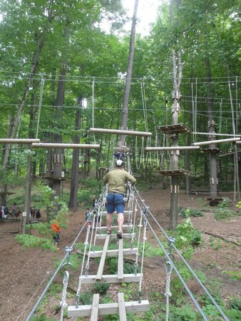 Catamount Aerial Adventure Park : approaching the gap