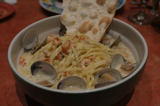 Big Al's Oyster Bar--The Orleans: Linguini and Clams