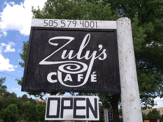 Zuly's Cafe : Great food!  Charming atmosphere! Friendly owners!