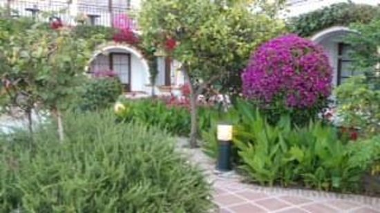 Globales Cortijo Blanco: Beautiful gardens