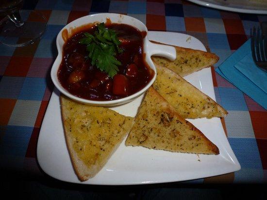 TJ's Restaurant: Pork & Apple Pot with Garlic Bread