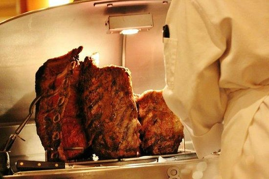 Lawry's The Prime Rib: Carving Station