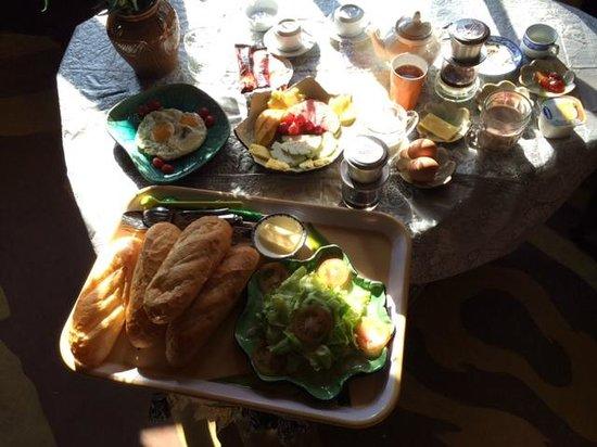 Crazy House: Optional Breakfast