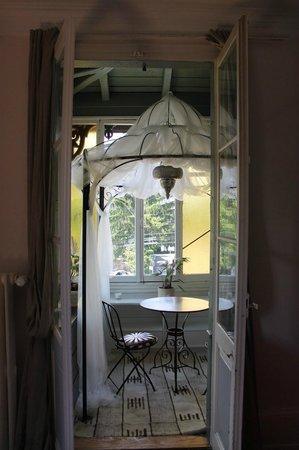 Hotel le Chalet : indoor terrace