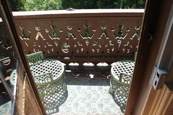 Hotel le Chalet : outdoor balcony