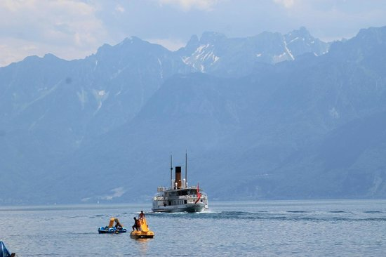 Hotel le Chalet: lake Geneva