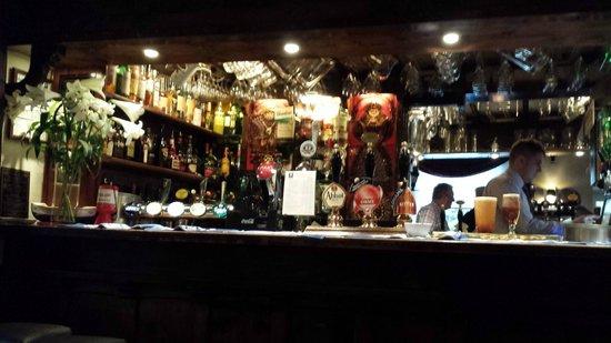 The Queens Head : Bar