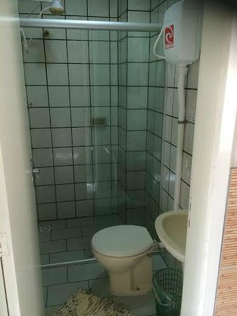 BC Paradise Hostel: Banheiro