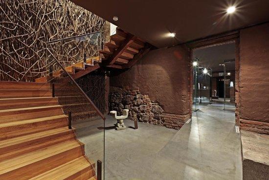 casa del alabado escaleras