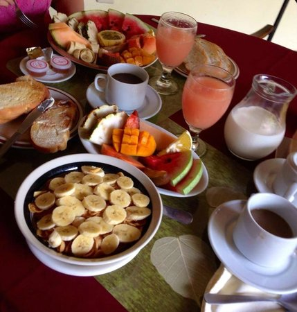 Hotel Patio del Malinche: here was one of our breakfasts - phenomenal
