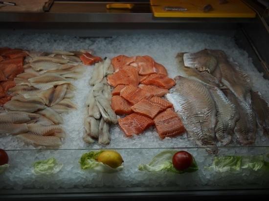 Schabi's Fischimbiss: Auslage