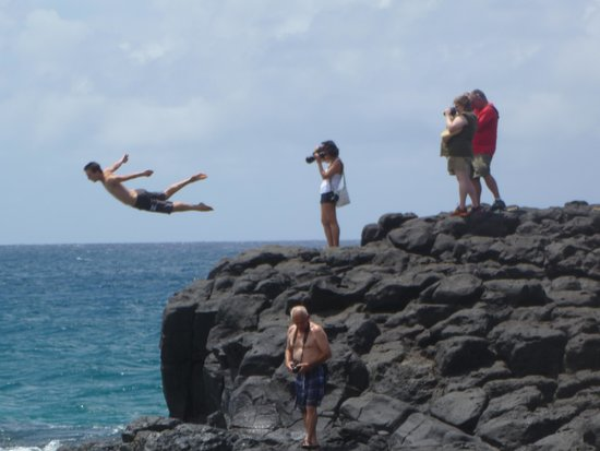 Kauai Photo Tours : Cliff Diver