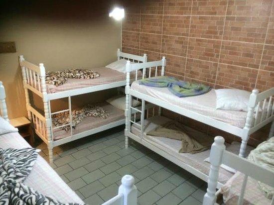 BC Paradise Hostel: Quarto para 8 pessoas