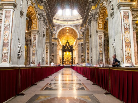 Basilica Foyer Elysium Hotel : St peter s basilica main hall picture of