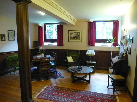 The Old Church of Urquhart: Living Room