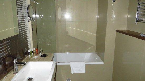 Pytloun City Boutique Hotel: bathroom