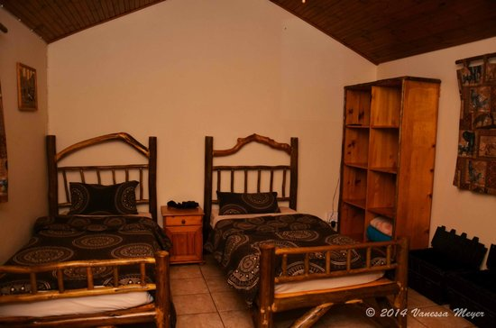 Bushbaby Lodge & Camping : twin room - beds can be pushed together