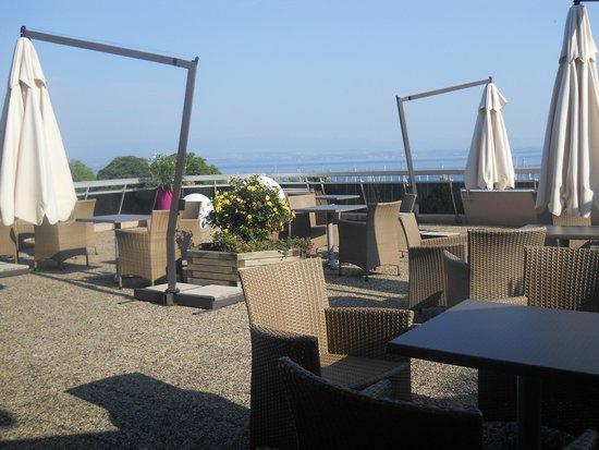 VVF Villages Evian : sur la terrasse du VVF