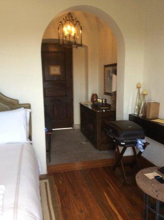 Rosewood San Miguel de Allende: Entrada al cuarto