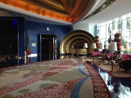 Burj al-Arab : The grand foyer area