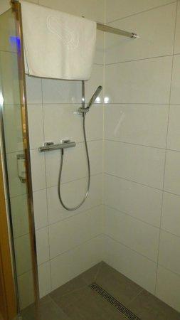 Invite Hotel: bathroom