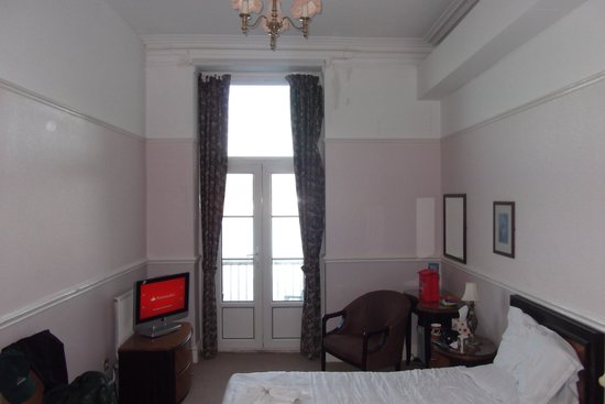 The Grand Hotel - Llandudno : oddly large room
