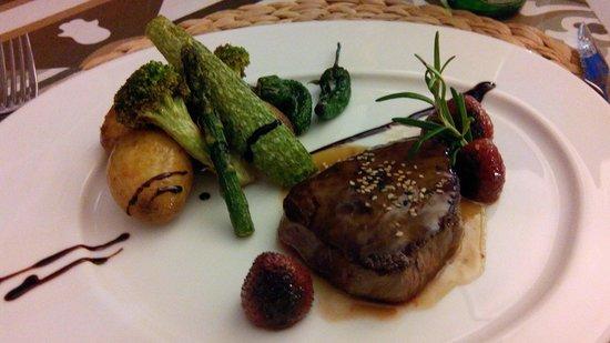 Restaurante Calma Chicha : Filet de bœuf et légumes frais