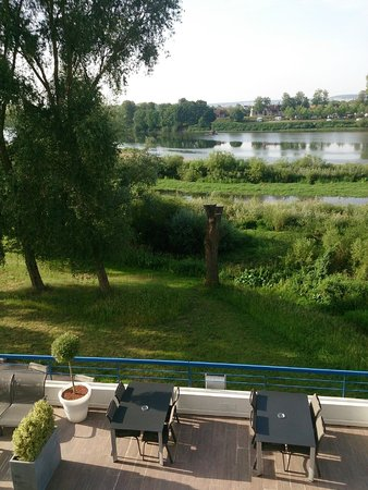 Mercure Nevers Pont de Loire: View on Loire river from the room