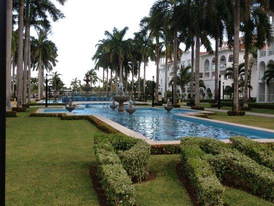 Hotel Riu Palace Mexico: Center Gardens